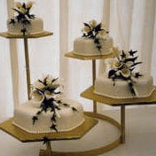 image of 4 tier wedding cake