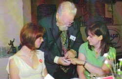 caerphilly wedding magician close up